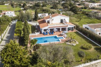 Spacious, detached villa with beautiful surroundings in Alaior