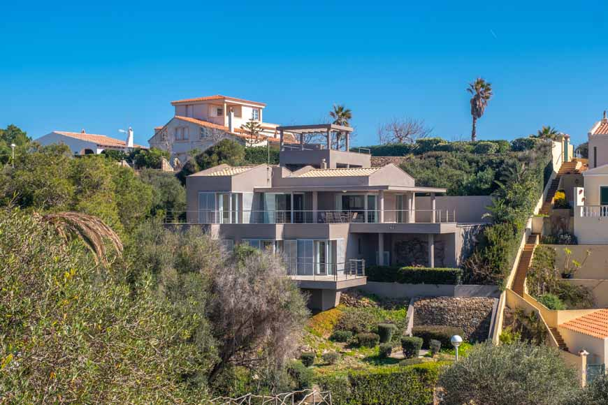 Contemporary villa with sea views in Cala Llonga