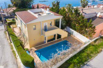 Detached villa with sea views in Cala Rata, Mahon