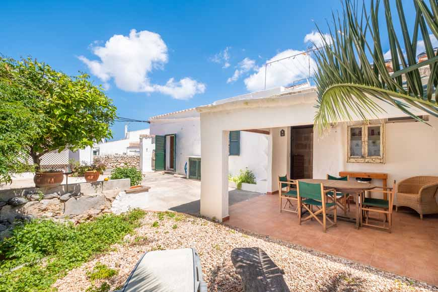 Detached town house with patio in San Luis