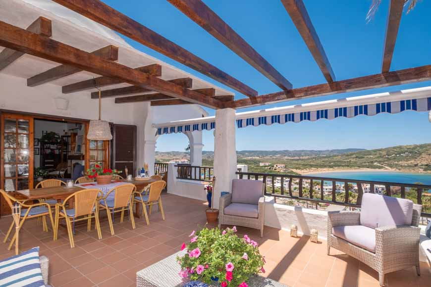 Beautiful villa with pool in Playas de Fornells